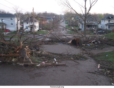 http://history.icpl.org/import/tornado_2006_gov_urp_0035.jpg