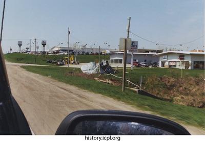 http://history.icpl.org/import/tornado_2006_hwy6_sb_0007.jpg