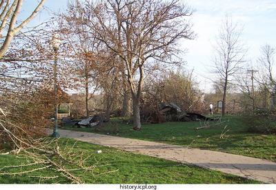 http://history.icpl.org/import/tornado_2006_cgp_jf_0018.jpg