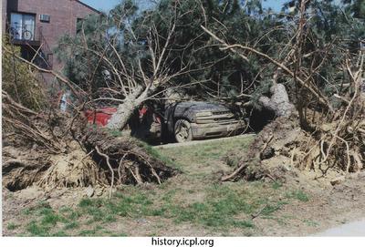 http://history.icpl.org/import/tornado_2006_court_sb_0005.jpg