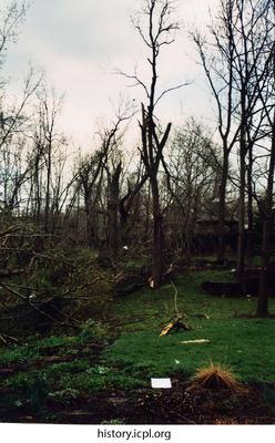 http://history.icpl.org/import/tornado_2006_7th_sc_0004.jpg
