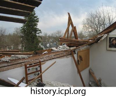 http://history.icpl.org/import/tornado_2006_roch_em_0014.jpg