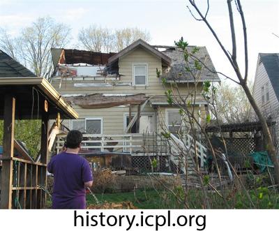 http://history.icpl.org/import/tornado_2006_roch_em_0007.jpg