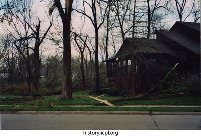 http://history.icpl.org/import/tornado_2006_7th_sc_0003.jpg