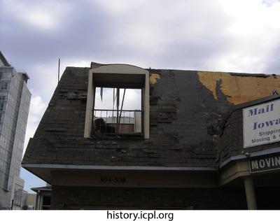 http://history.icpl.org/import/tornado_2006_bur_urp_storm_0038.jpg
