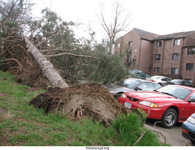 http://history.icpl.org/import/tornado_2006_court_wb_0015.jpg