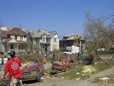 tornado_2006_iowa_bw_0019.jpg