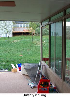http://history.icpl.org/import/tornado_2006_wood_kl_0033.jpg