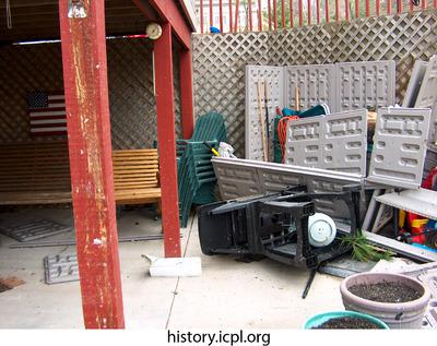http://history.icpl.org/import/tornado_2006_wood_kl_0027.jpg