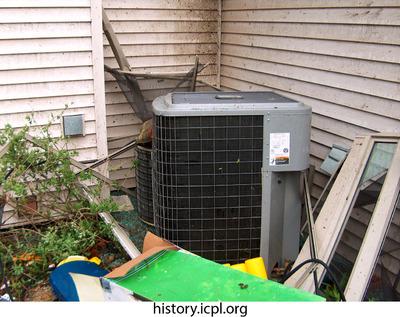 http://history.icpl.org/import/tornado_2006_wood_kl_0002.jpg