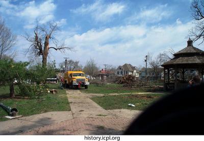 http://history.icpl.org/import/tornado_2006_cgp_urp_stormII_0029.jpg