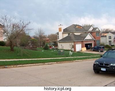 http://history.icpl.org/import/tornado_2006_wood_kl_0017.jpg
