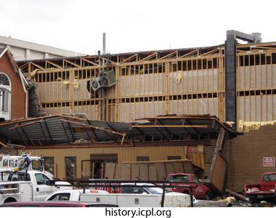 http://history.icpl.org/import/tornado_2006_gil_urp_0033.jpg