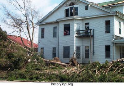 http://history.icpl.org/import/tornado_2006_dodge_urp_stormII_0005.jpg