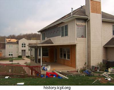 http://history.icpl.org/import/tornado_2006_wood_kl_0005.jpg