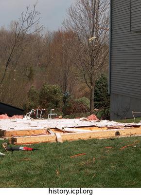 http://history.icpl.org/import/tornado_2006_wood_kl_0034.jpg