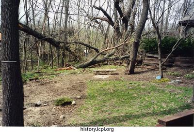 http://history.icpl.org/import/tornado_2006_7th_sc_0001.jpg