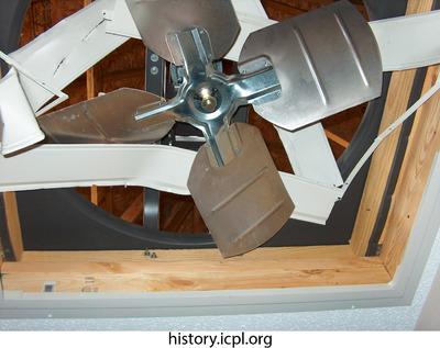 http://history.icpl.org/import/tornado_2006_wood_kl_0022.jpg