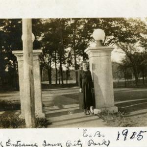 Entrance to Iowa City Park, ca. 1915