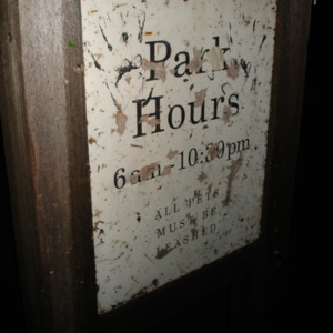 Park hours sign at College Green Park