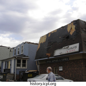 http://history.icpl.org/import/tornado_2006_bur_urp_storm_0037.jpg