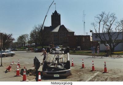 http://history.icpl.org/import/tornado_2006_ch_sb_0004.jpg