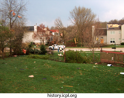 http://history.icpl.org/import/tornado_2006_wood_kl_0006.jpg