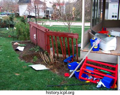 http://history.icpl.org/import/tornado_2006_wood_kl_0018.jpg