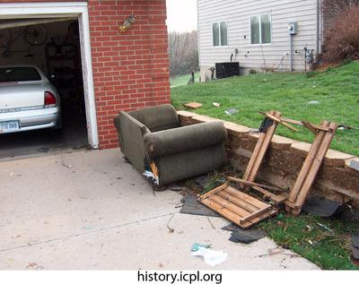 http://history.icpl.org/import/tornado_2006_wood_kl_0015.jpg