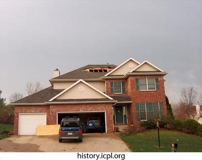 http://history.icpl.org/import/tornado_2006_wood_kl_0014.jpg