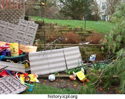http://history.icpl.org/import/tornado_2006_wood_kl_0025.jpg