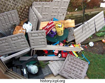 http://history.icpl.org/import/tornado_2006_wood_kl_0021.jpg