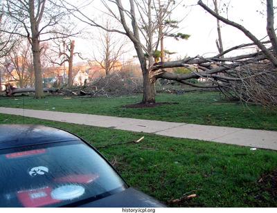http://history.icpl.org/import/tornado_2006_cgp_wb_0038.jpg
