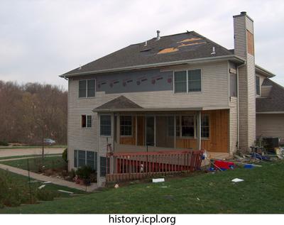 http://history.icpl.org/import/tornado_2006_wood_kl_0008.jpg