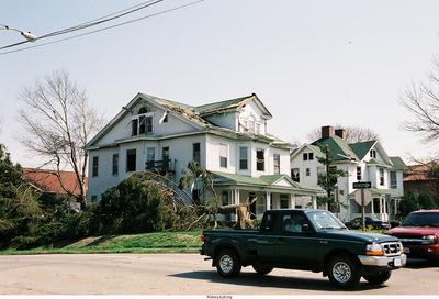 http://history.icpl.org/import/tornado_2006_dodge_bs_0001.jpg