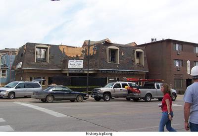 http://history.icpl.org/import/tornado_2006_bur_jf_0013.jpg