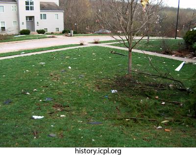http://history.icpl.org/import/tornado_2006_wood_kl_0009.jpg