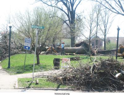 http://history.icpl.org/import/tornado_2006_cgp_kb_0020.jpg