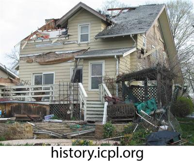 http://history.icpl.org/import/tornado_2006_roch_em_0002.jpg