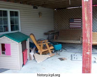 http://history.icpl.org/import/tornado_2006_wood_kl_0028.jpg