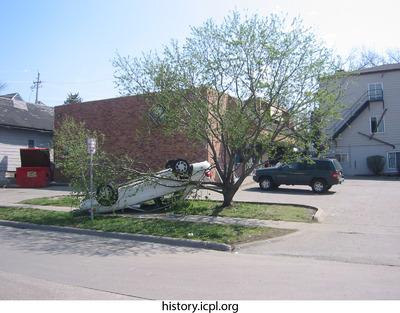http://history.icpl.org/import/tornado_2006_bur_td_0030.jpg