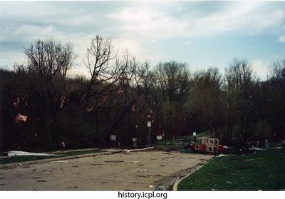 http://history.icpl.org/import/tornado_2006_7th_sc_0010.jpg