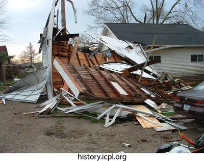 http://history.icpl.org/import/tornado_2006_hotz_jh_0009.jpg